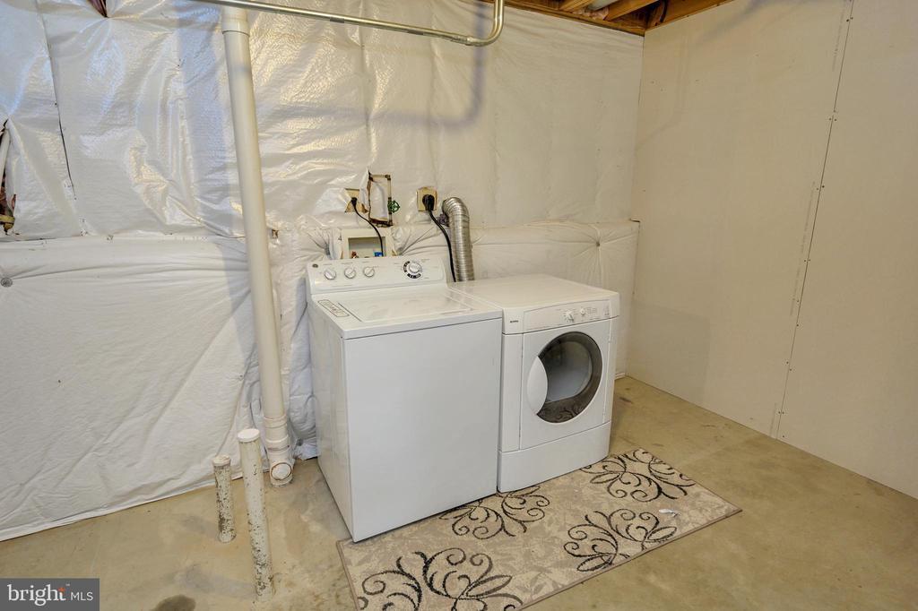 laundry area in basement - 25 WAGONROAD LN, FREDERICKSBURG
