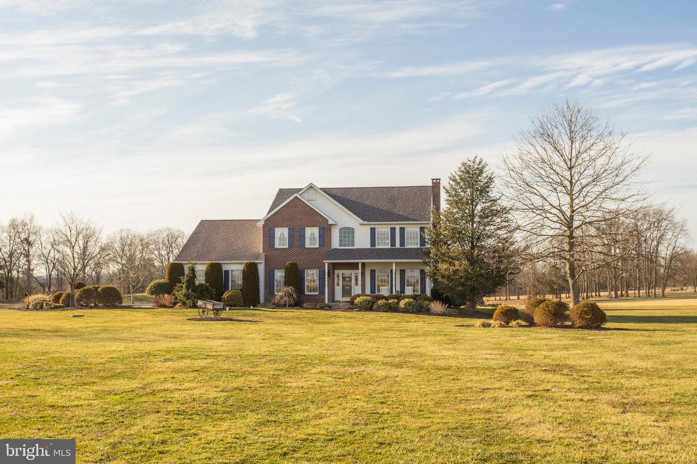 Single Family Homes για την Πώληση στο 519 FAGLEYSVILLE Road Perkiomenville, Πενσιλβανια 18074 Ηνωμένες Πολιτείες