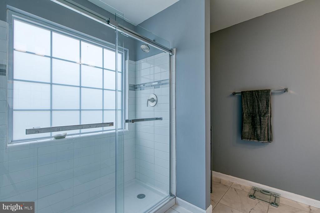 New Master bath! - 1121 WHITE OAK RD, FREDERICKSBURG
