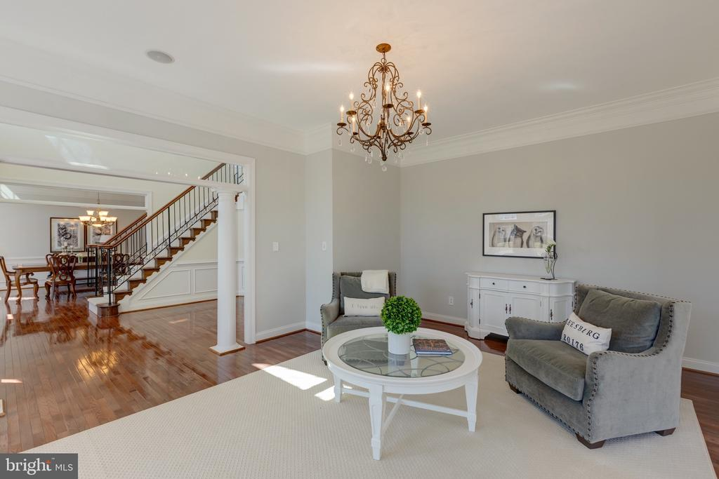 Living Room with Hardwood Floors, Crown Molding - 16357 LIMESTONE CT, LEESBURG