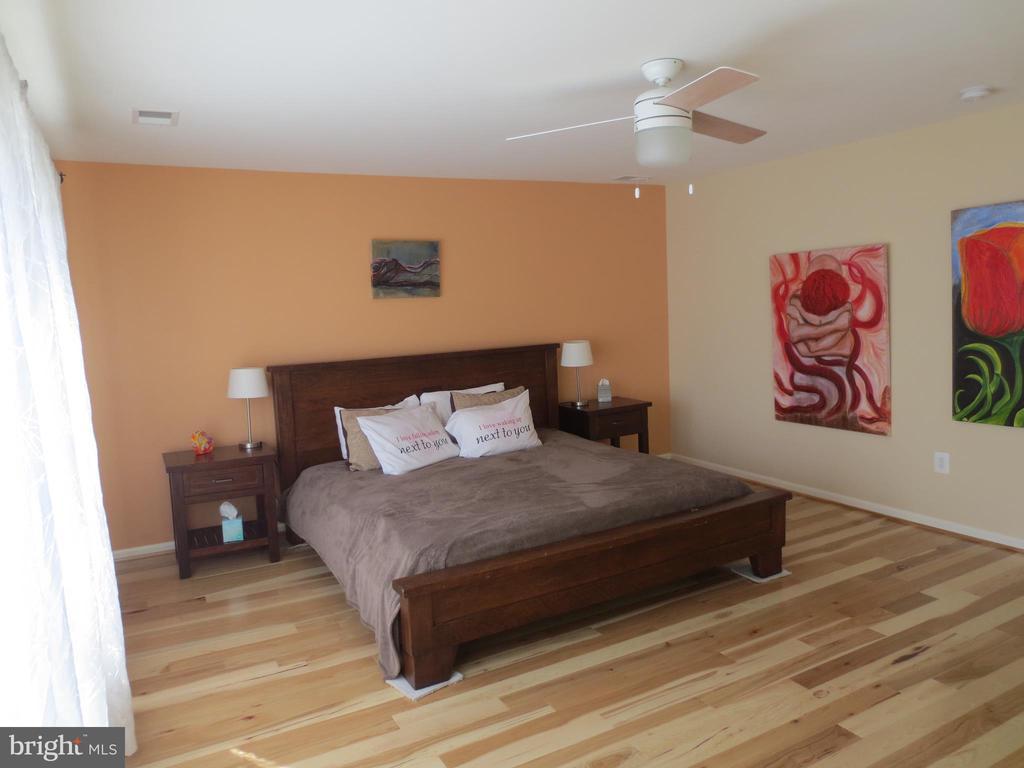 Master bedroom - 10623 LEGACY LN, FAIRFAX