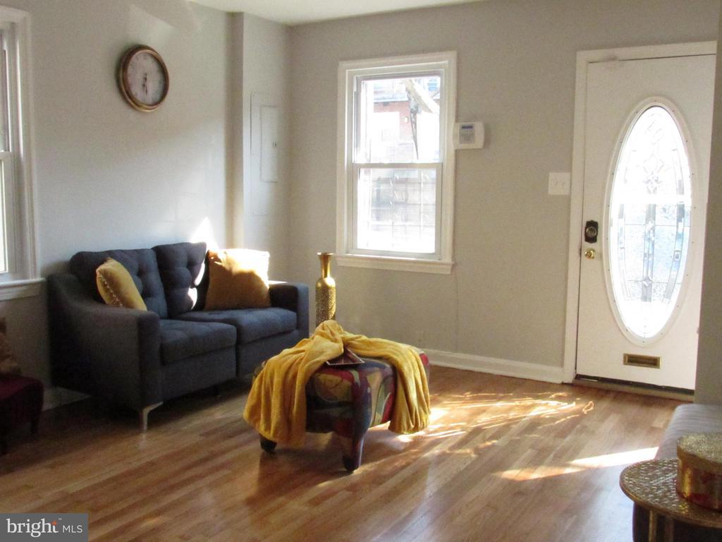 Warm and cozy! - 3426 CROFFUT PL SE, WASHINGTON