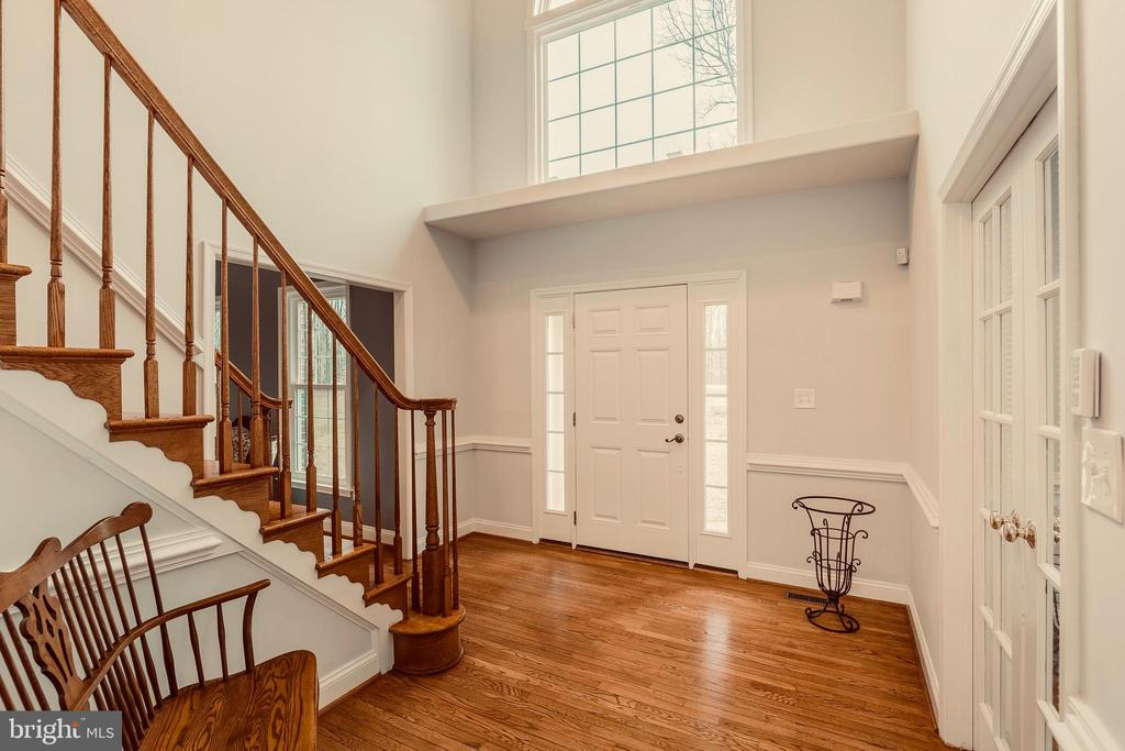 GRAND TWO STORY FOYER - 91 MADELINE LN, STAFFORD