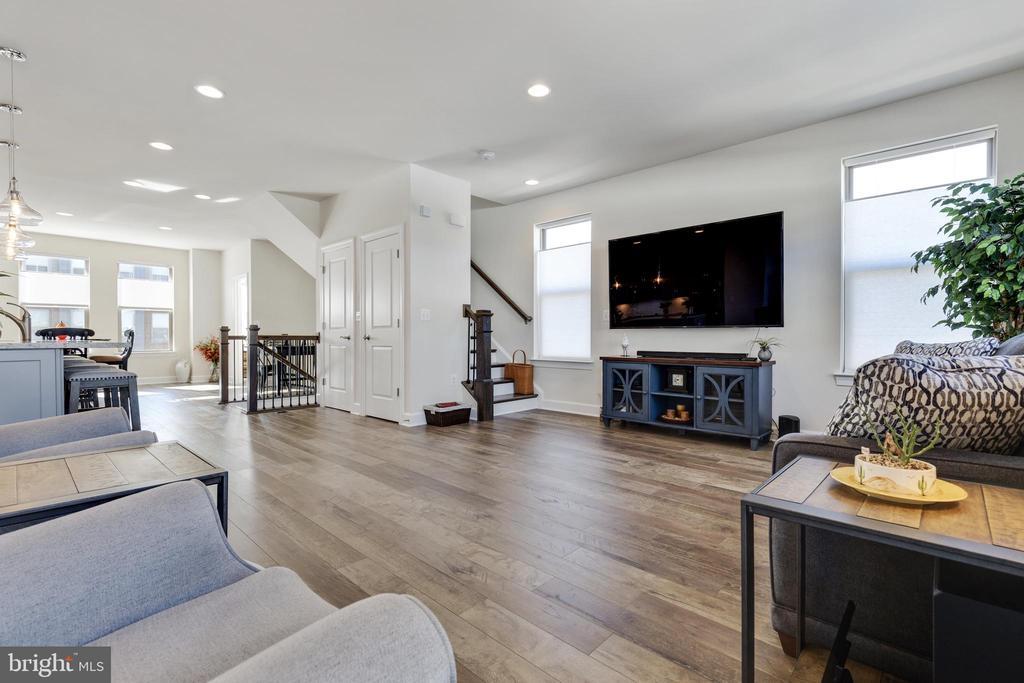 Main Level Living Room - 10528 RATCLIFFE TRL, MANASSAS