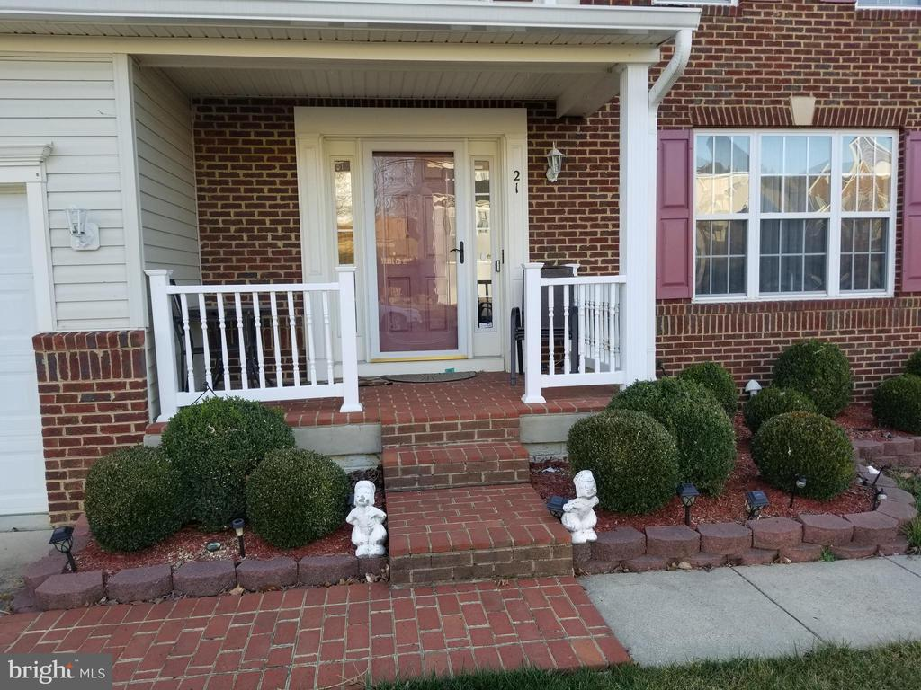 Beautiful Brick Front Porch - 21 SLATE DR, FREDERICKSBURG