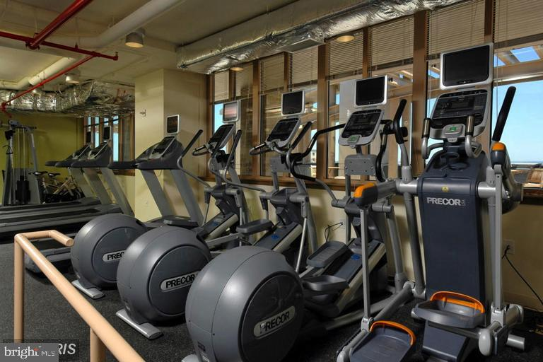 Exercise Room - 888 N QUINCY ST #1309, ARLINGTON