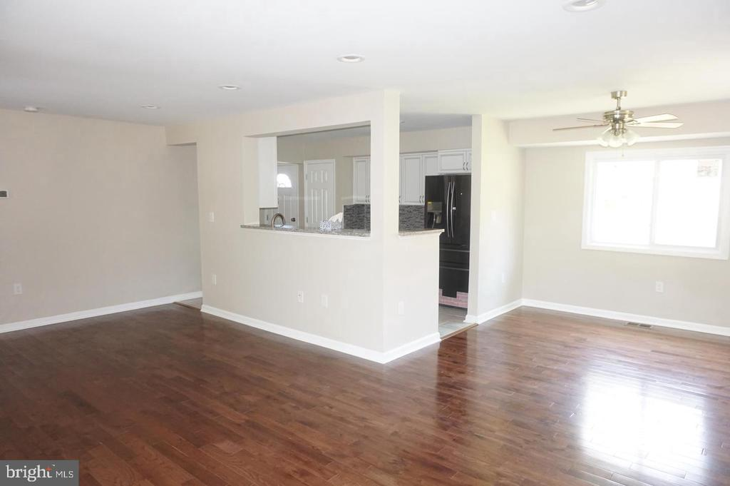 Living room main level - 4756 POMPONIO PL, ANNANDALE