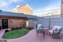 Fenced in patio, lawn and garden lead to garage - 505 ORONOCO ST, ALEXANDRIA