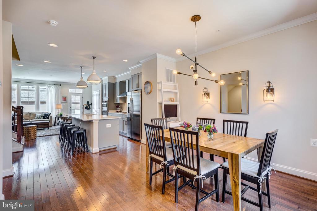 Open floor concept - kitchen, dining & living - 1148 HOLDEN RD, FREDERICK