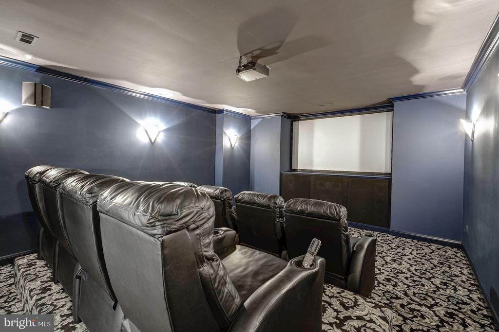 Movie Theater - 4055 40TH ST N, ARLINGTON