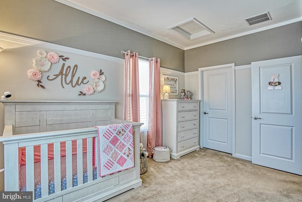 Darling Second Bedroom - 25056 MCCULLEY TER, ALDIE