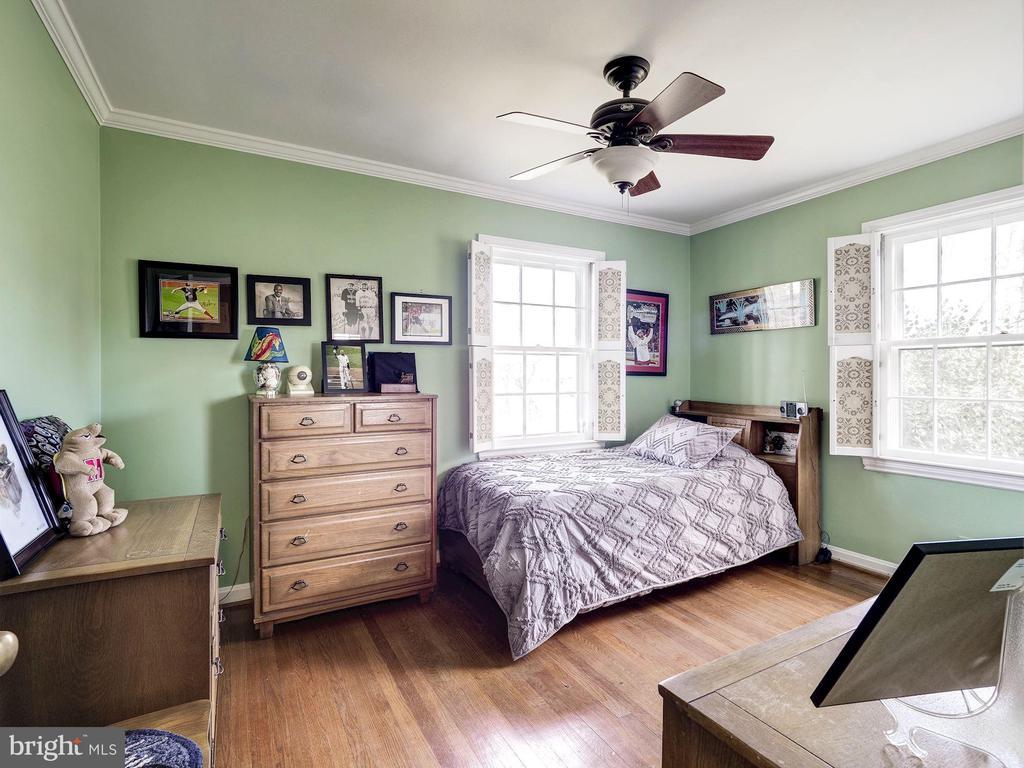Bedroom 2 - 7800 PERSIMMON TREE LN, BETHESDA