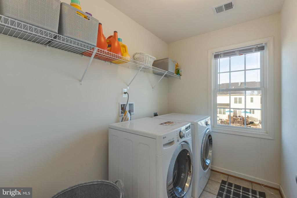 Upper Level Laundry room - 41528 WARE CT, ALDIE
