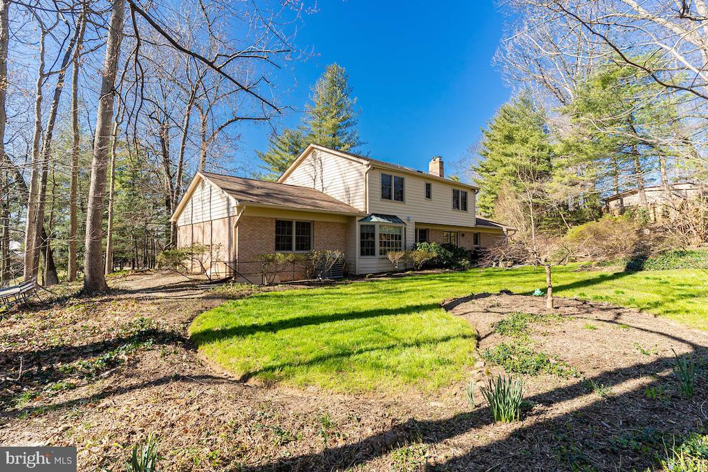 - 11905 VIEWCREST TER, SILVER SPRING
