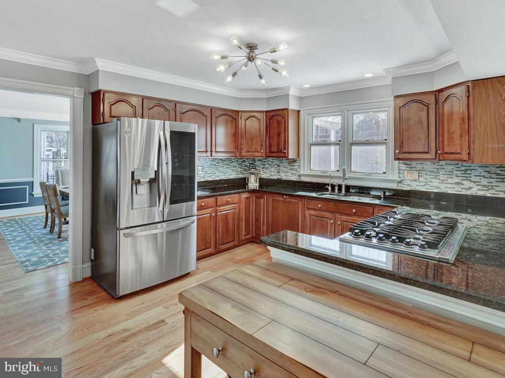 Updated kitchen with lots of light - 1012 MERCER PL, FREDERICK