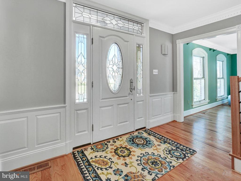 Enter the beautiful foyer with hard wood floors - 1012 MERCER PL, FREDERICK