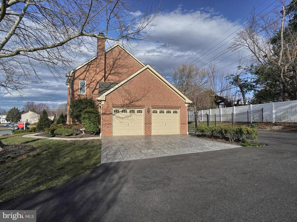 Two car garage with extra parking - 1012 MERCER PL, FREDERICK