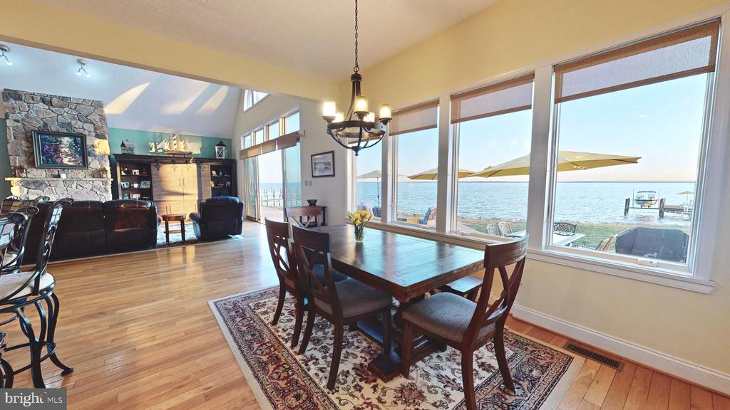 Casual dining - with a view - 12295 POTOMAC VIEW RD, NEWBURG