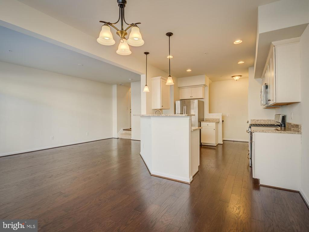 Main Level - 43370 TOWN GATE SQ, CHANTILLY
