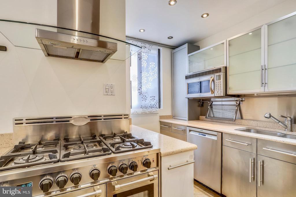 Top Notch Appliances - 1121 ARLINGTON BLVD #1005, ROSSLYN