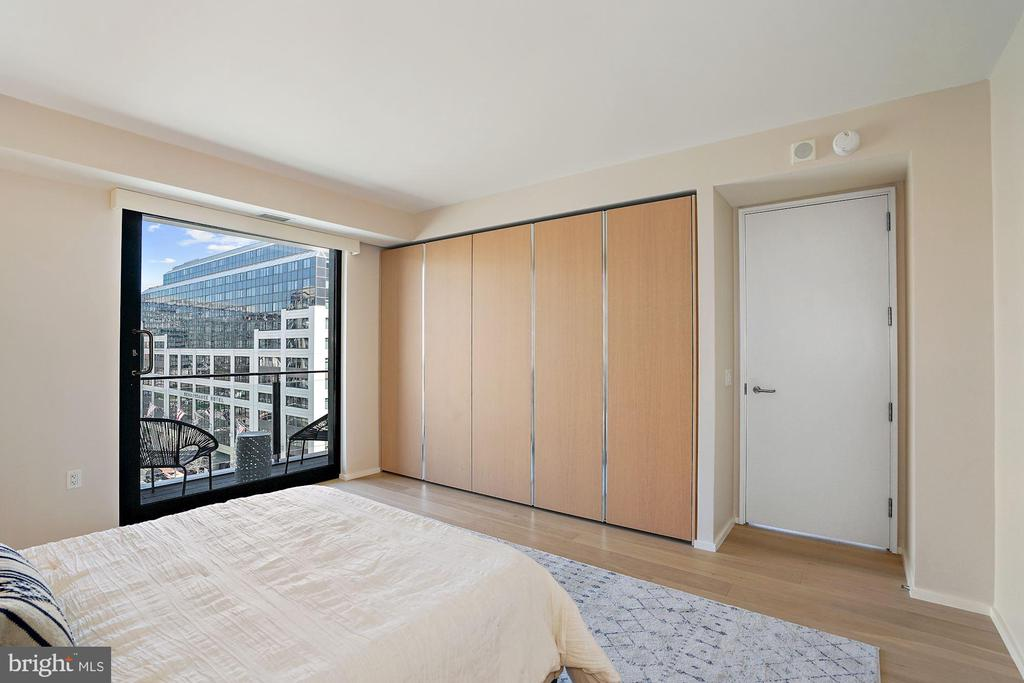 European Built-in wardrobes by Molteni - 920 I ST NW #811, WASHINGTON