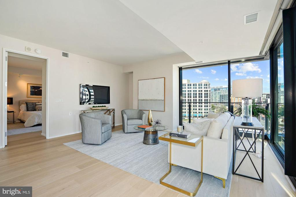 Floor to Ceiling Windows - 920 I ST NW #811, WASHINGTON