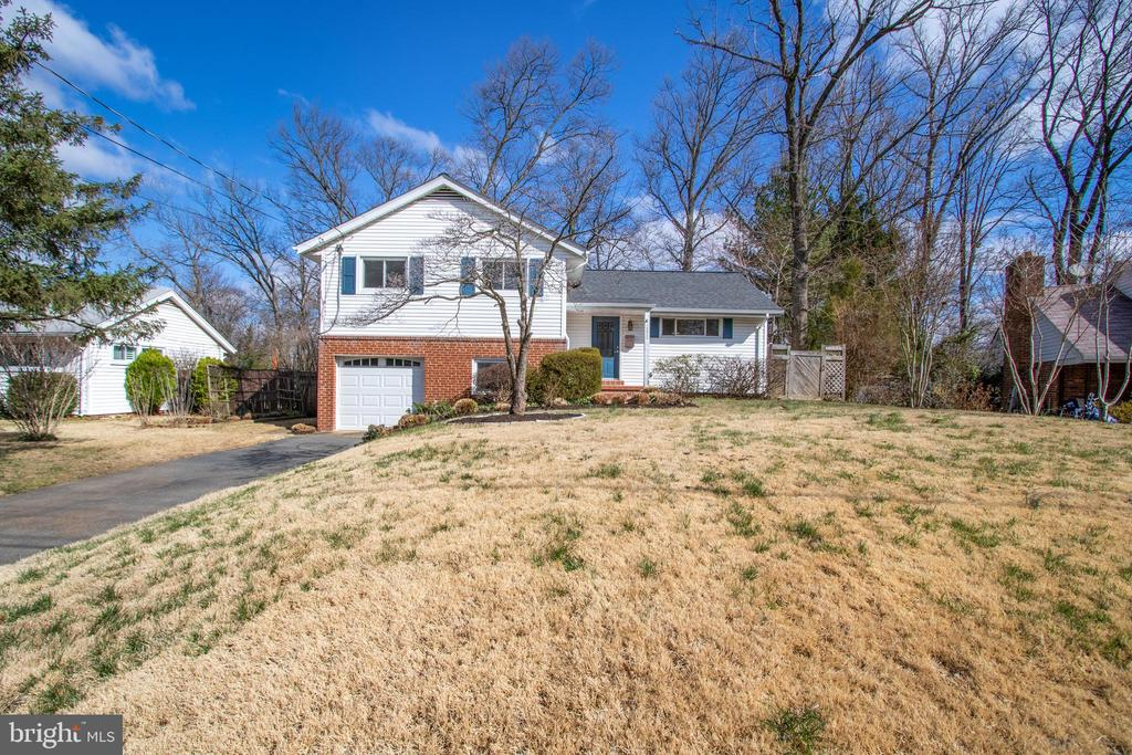 Garage  space is always a plus! Welcome Home! - 10822 CHARLES DR, FAIRFAX