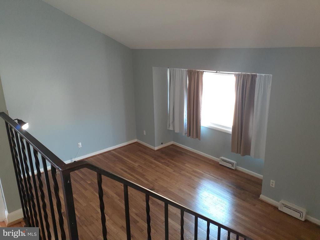Living Room View from Upper Level - 6809 VALLEY PARK RD, CAPITOL HEIGHTS