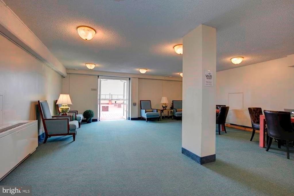 Rooftop Lounge/Library with WIFI - 5500 FRIENDSHIP BLVD #2421N, CHEVY CHASE