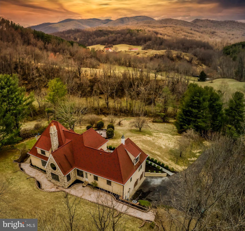Single Family Homes 為 出售 在 Woodville, 弗吉尼亞州 22749 美國