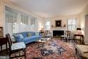 Living Room with High ceiling and gas Fireplace - 17 MAGNOLIA PKWY, CHEVY CHASE