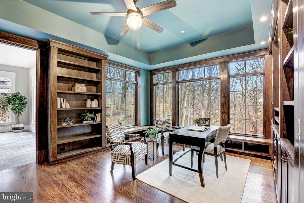 Library with Handsome Built-ins - 12025 EVENING RIDE DR, POTOMAC