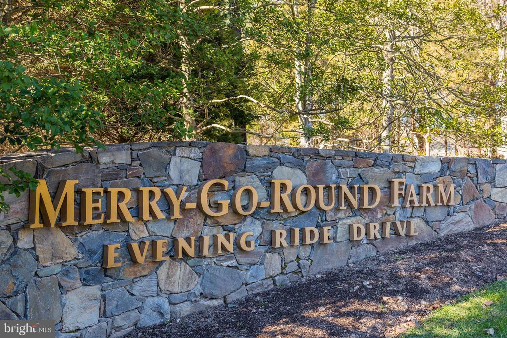 Merry-Go-Round Farm - 12025 EVENING RIDE DR, POTOMAC