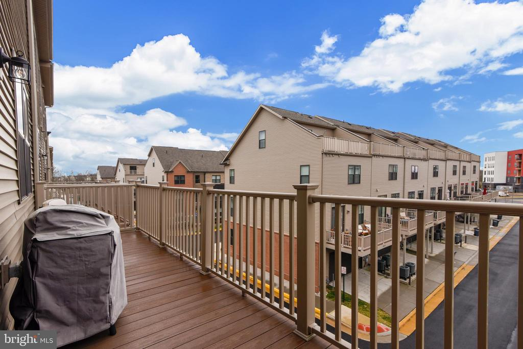 Main Level Full Balcony - 20495 MILBRIDGE TER, ASHBURN