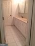 Second floor bathroom w/ double vanity - 12090 MOUNTAIN WATCH CT, LOVETTSVILLE