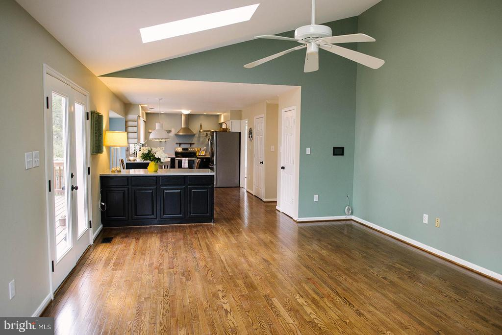 Those Floors! - 17281 PICKWICK DR, PURCELLVILLE
