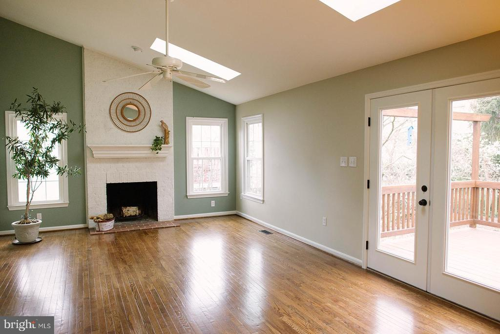 French Doors Open to Deck - 17281 PICKWICK DR, PURCELLVILLE