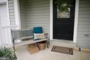 Covered Porch to relax on - 17281 PICKWICK DR, PURCELLVILLE