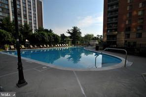 Community Pool - 11710 OLD GEORGETOWN RD #630, NORTH BETHESDA