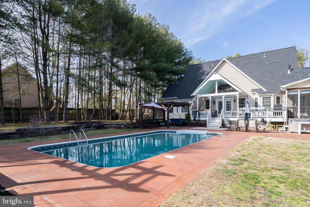 Tree Lines Pool for Added Privacy - 167 BROOKE RD, FREDERICKSBURG