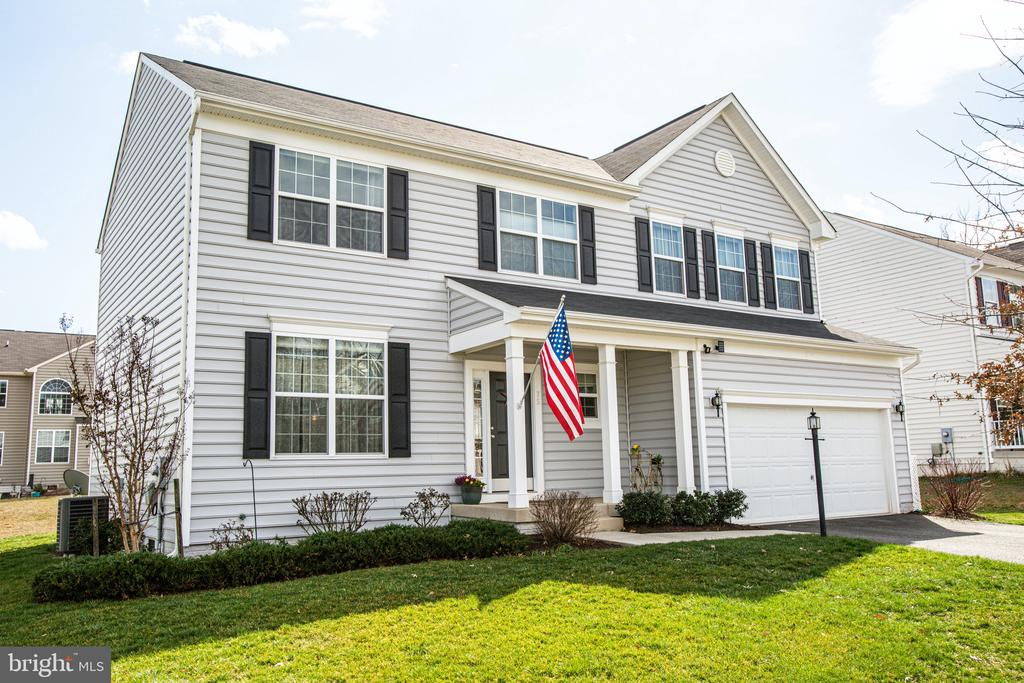 Welcome home to Leeland Station - 75 COLEMANS MILL DR, FREDERICKSBURG