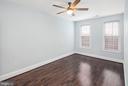 Top floor bedroom with great light - 2509 N CAPITOL ST NE, WASHINGTON