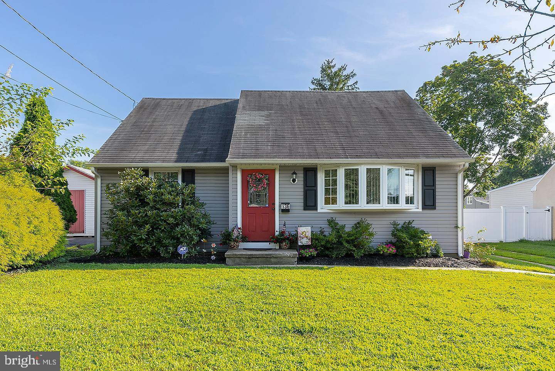 Single Family Homes 为 销售 在 Barrington, 新泽西州 08007 美国