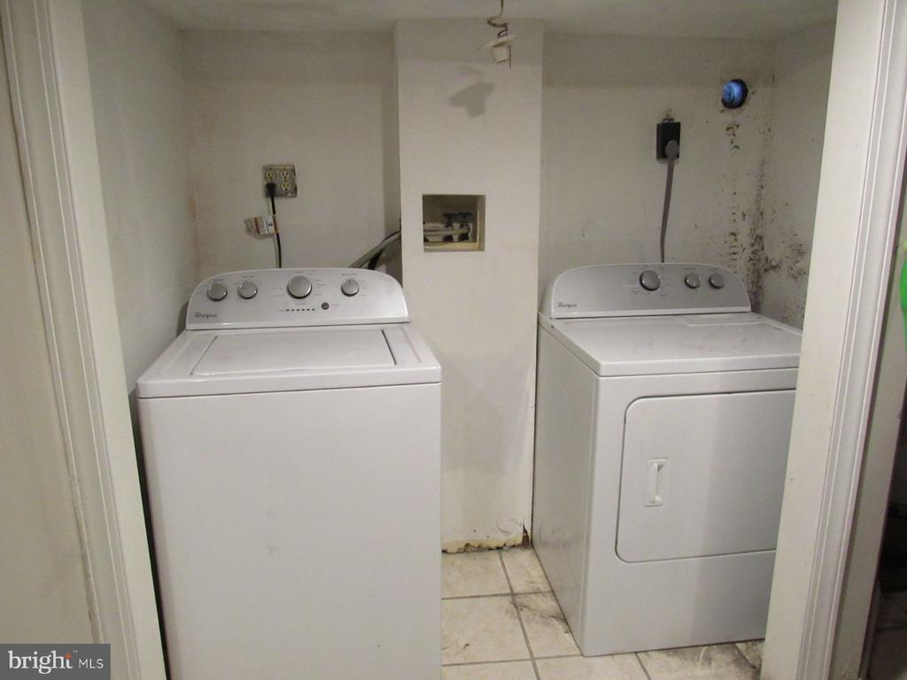 Lower level unit laundry - 1803 2ND ST NW, WASHINGTON