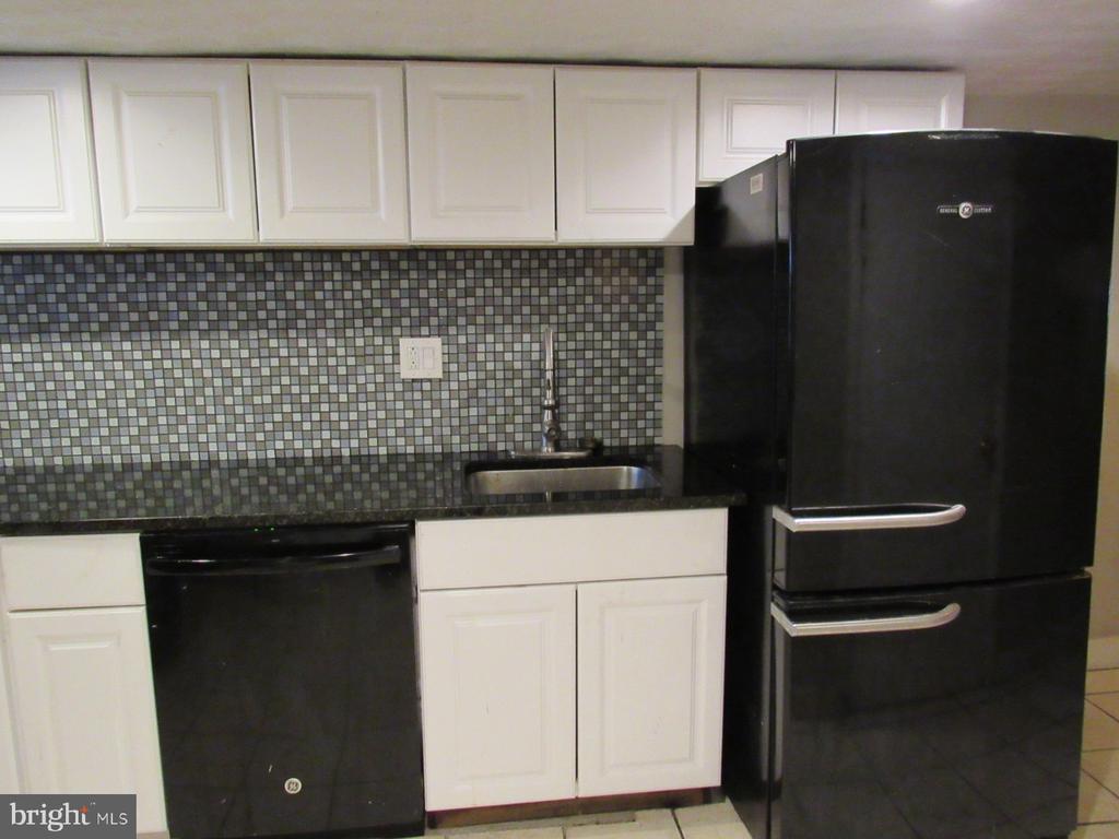 Lower level kitchen - 1803 2ND ST NW, WASHINGTON