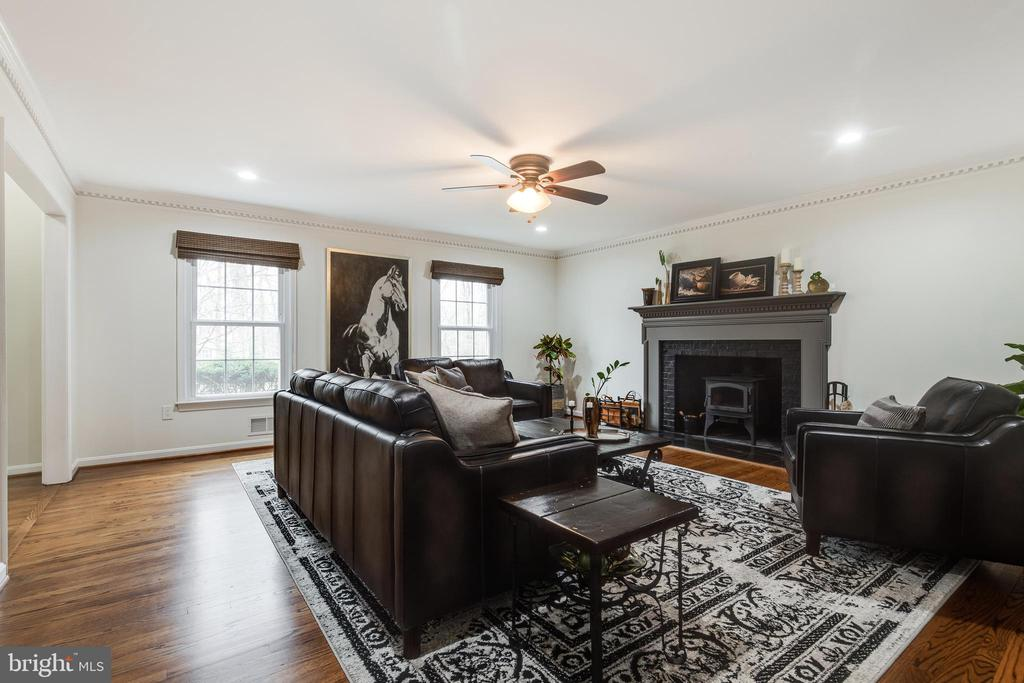 Living Room - 8511 CATHEDRAL FOREST DR, FAIRFAX STATION