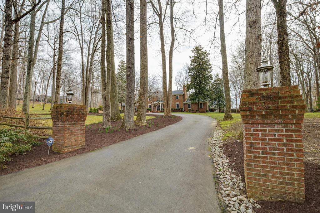 Entry from Street - 8511 CATHEDRAL FOREST DR, FAIRFAX STATION