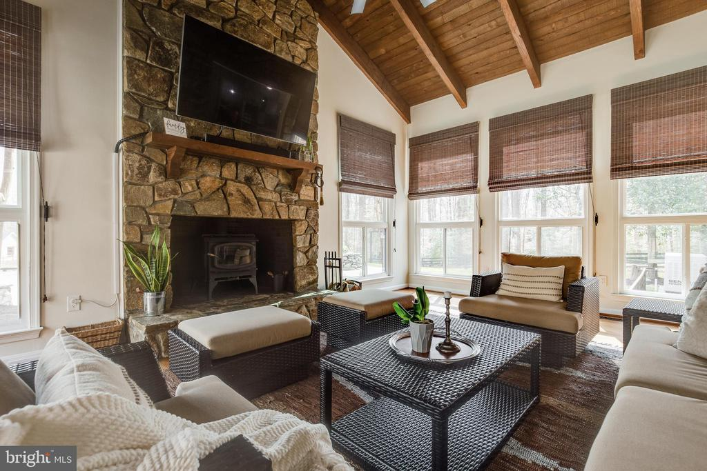 Family Room - 8511 CATHEDRAL FOREST DR, FAIRFAX STATION