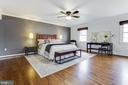 Upper Level Master Suite - 8511 CATHEDRAL FOREST DR, FAIRFAX STATION