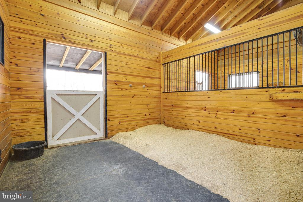 Horse Stall - 8511 CATHEDRAL FOREST DR, FAIRFAX STATION